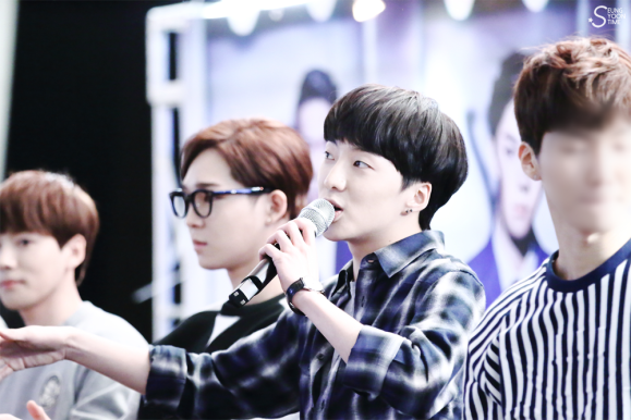 140917 Seungyoon at Yeouido Fansign Event 11