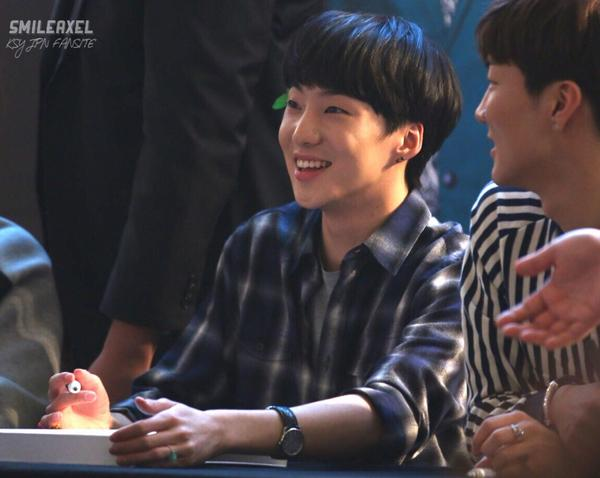 140917 Seungyoon at Yeouido Fansign Event 5