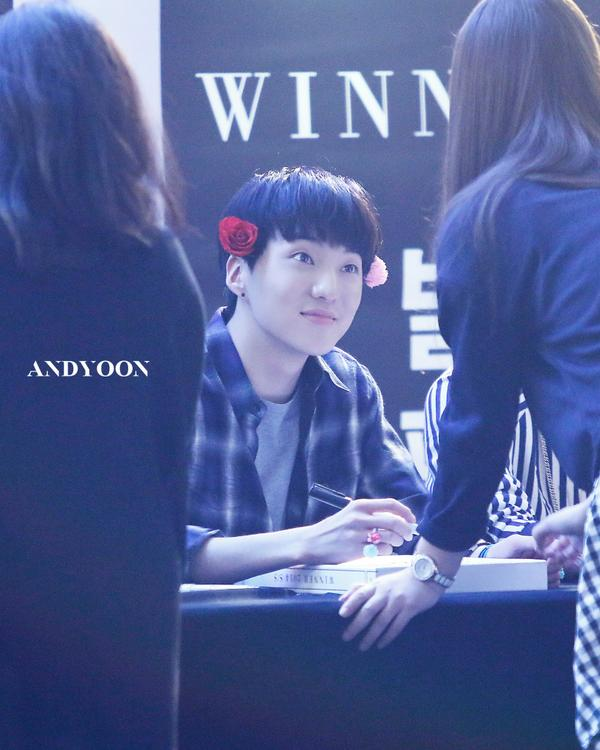 140917 Seungyoon at Yeouido Fansign Event 7