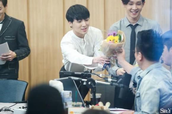 140918 Seungyoon at Cultwo Show 4