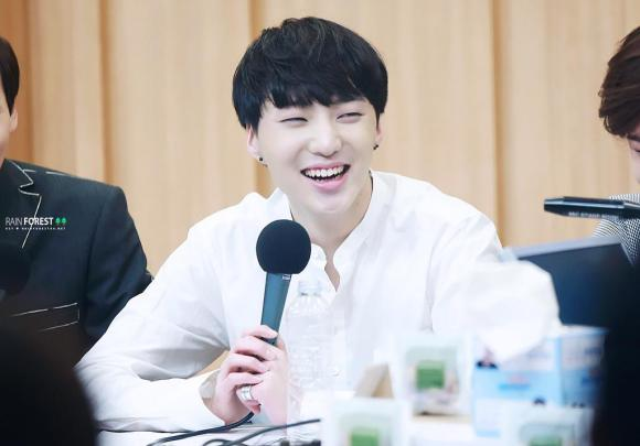 140918 Seungyoon at Cultwo Show 8