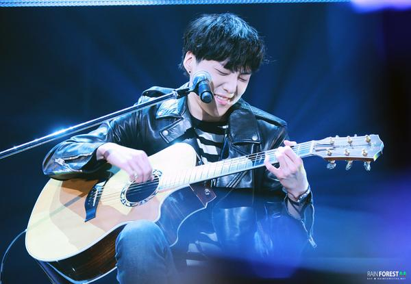 140923 Seungyoon at Winner Zepp Sapporo 11