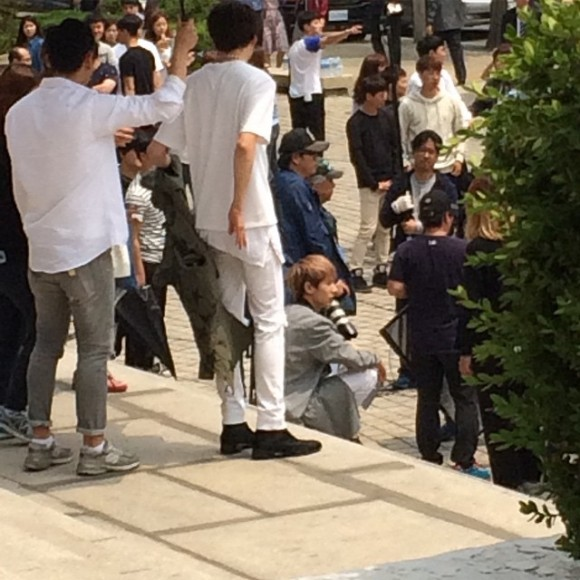 150514 producers filming insta2