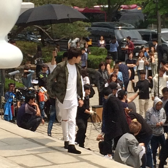150514 producers filming insta4