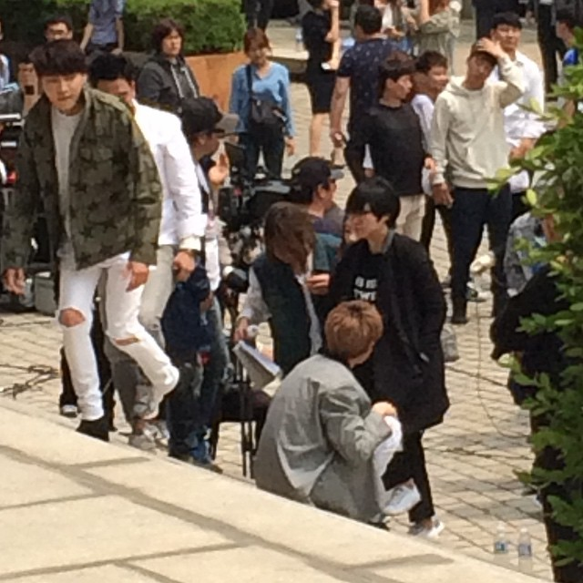 150514 producers filming insta5