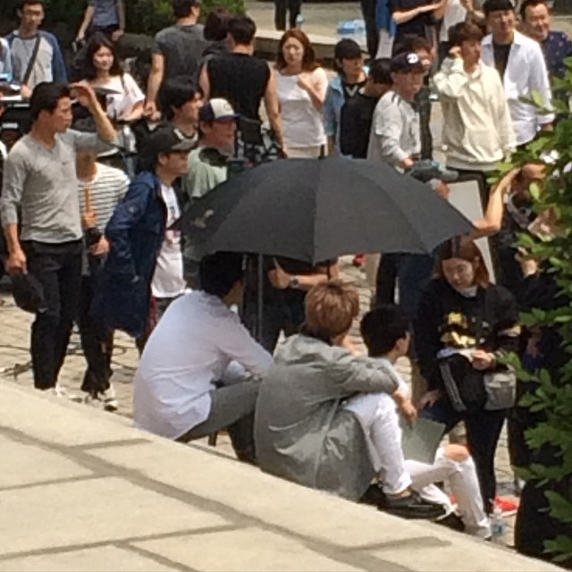 150514 producers filming insta7